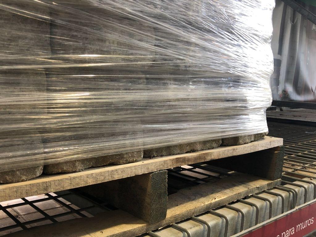 Shipment wrap pallet